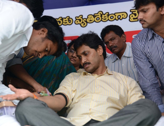 Doctors examine Jagan at the venue of the hunger strike on Wednesday