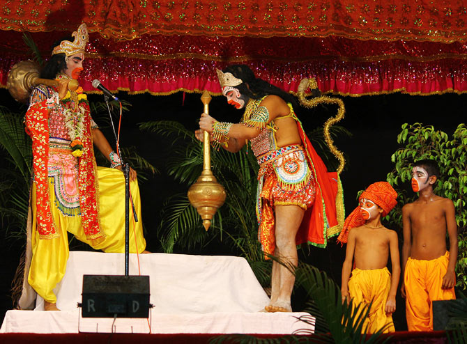 Hanuman and Sugreev take centrestage.