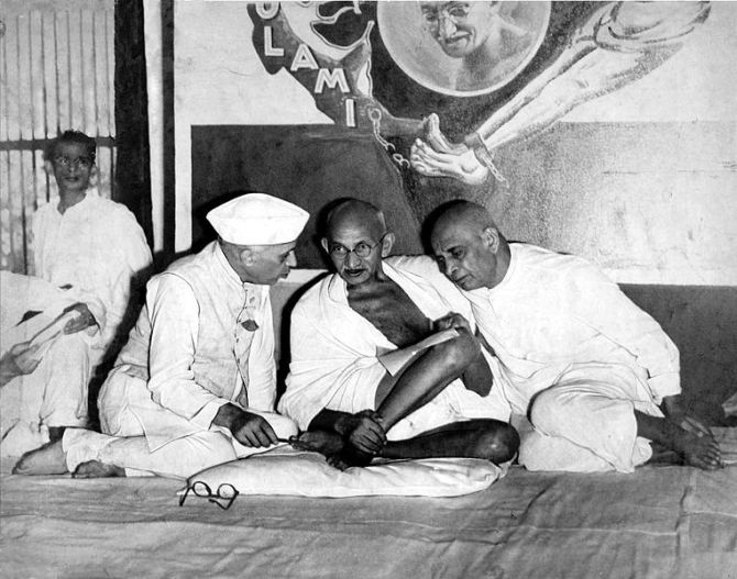 Book reveals Nehru and Sardar Patel disagreed on Kashmir, China