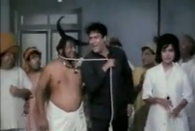 A scene from Pagla Kahin Ka