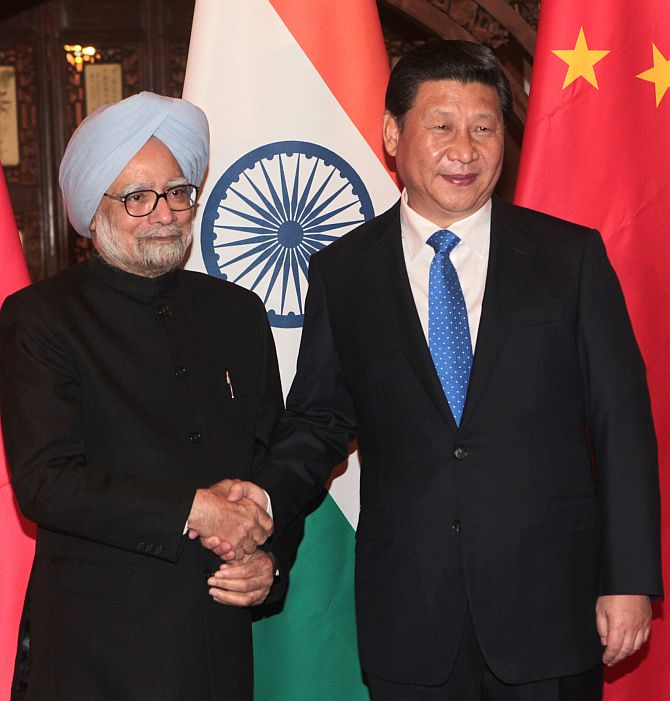 Prime Minister Manmohan Singh with Chinese President Xi Jinping in Beijing