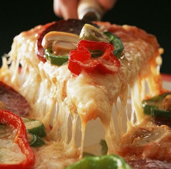 Mathematician reveals 'formula' for perfect pizza!