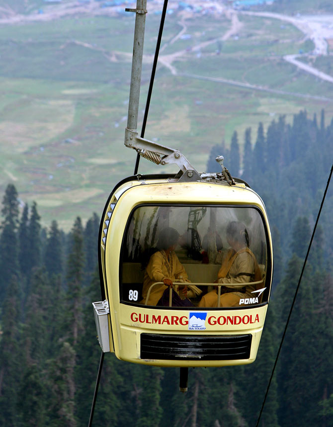 Riding the cable car to Mt Afarwat