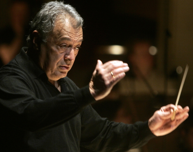 Maestro Zubin Mehta conducts an orchestra in Vienna