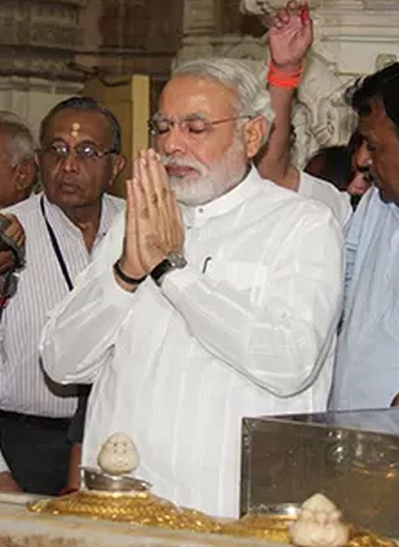 I don't dream of being PM; have to serve Guj till 2017: Modi