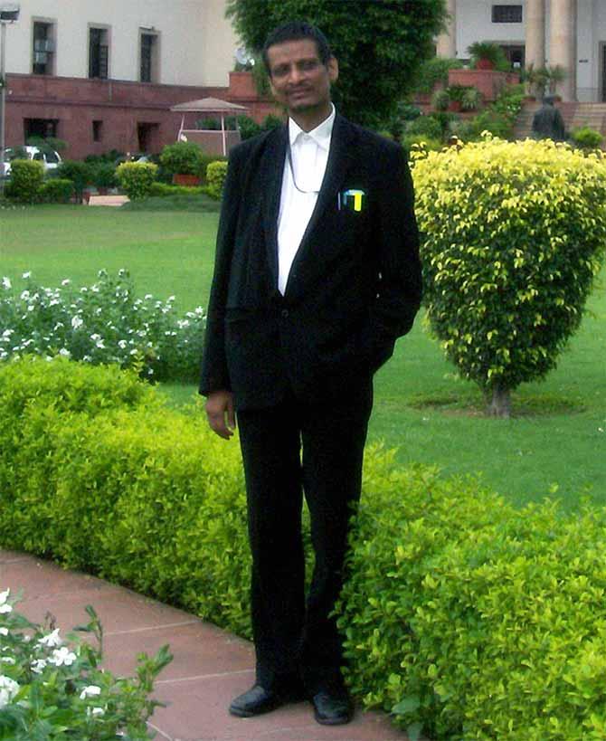 Advocate M L Sharma