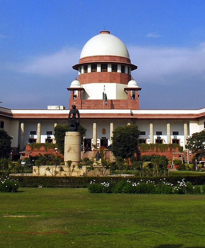 SC stays release of 3 convicts in Rajiv assassination case