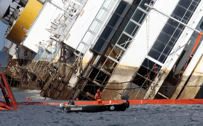 $800 million effort to save Costa Concordia