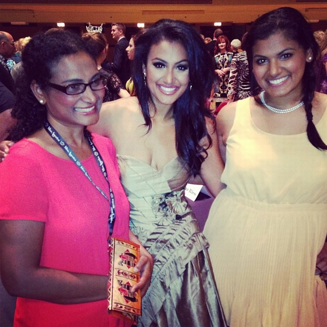 Davuluri with her sister and mother