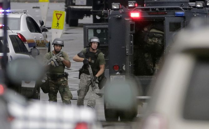 13 killed in US Navy Yard shooting