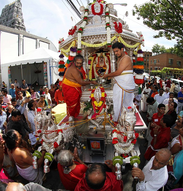 PHOTOS: Celebrating Ganesh Chaturthi, New York style