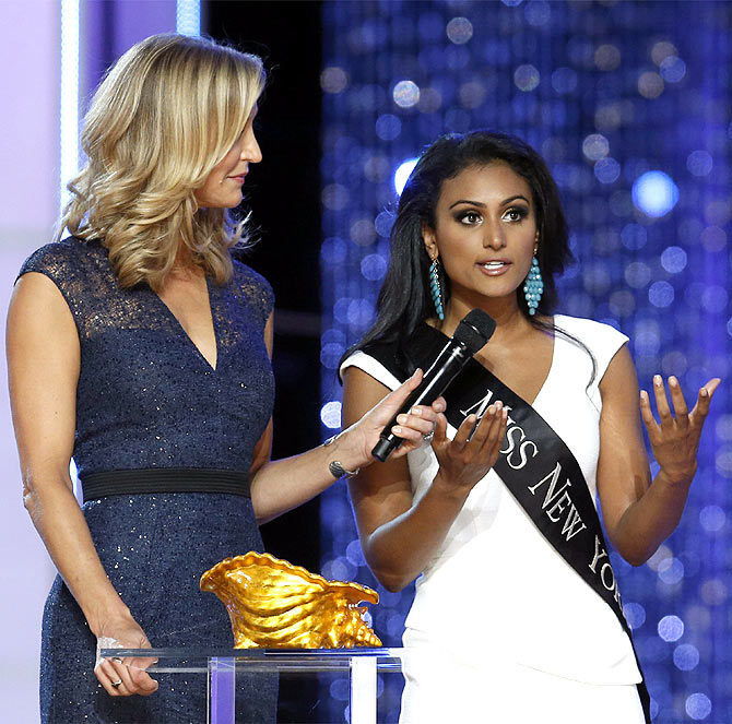 Nina Davuluri answers a question from host Lara Spencer during the contest