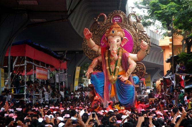 The Ganesh idol from Parel's Ganesh Galli, known famously as Mumbaicha Raja, starts his journey towards chowpatty