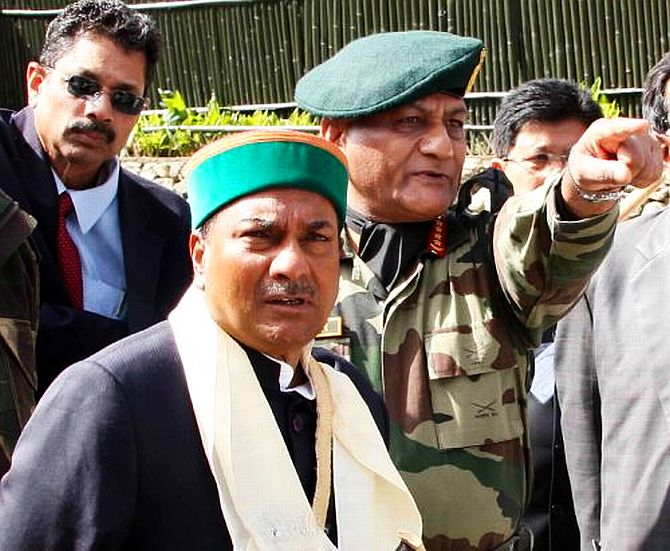 Defence Minister A K Antony with former Army Chief General V K Singh