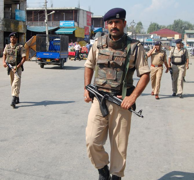 CISF personnel have cordoned off the site of the militant attack in Srinagar