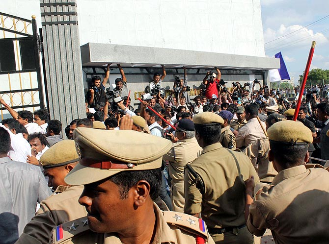 Jagan Mohan Reddy walks out of jail