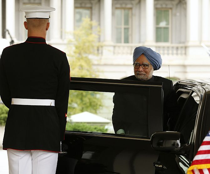 Obama extends rare gesture for PM