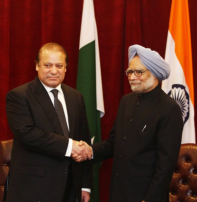 Prime Minister Manmohan Singh and his Pakistani counterpart Nawaz Sharif in New York. Photograph: Paresh Gandhi/Rediff.com