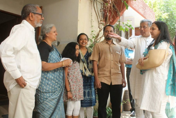 Theatre personality Girish Karnad campaigns with Rohini