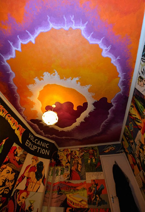 This is not a bedroom... it's a Flash Gordon shrine