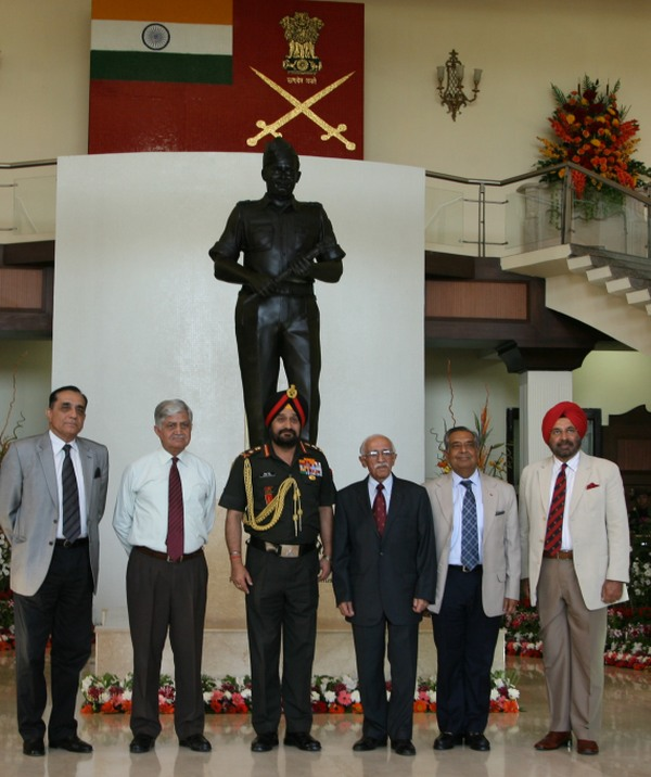 Gen Bikram Singh and ex-Army chiefs in backdrop of Field Marshal Sam Manekshaw's statue