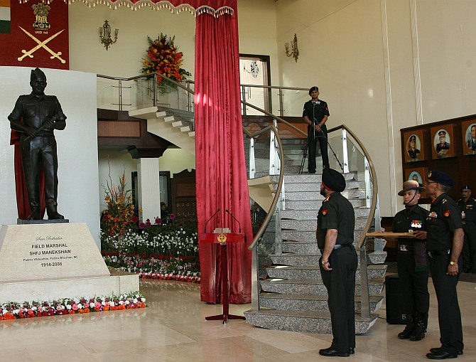 Army chief unveils statue of Sam Manekshaw