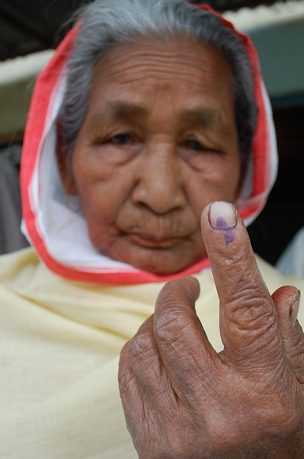 PHOTOS: World's biggest show of democracy begins