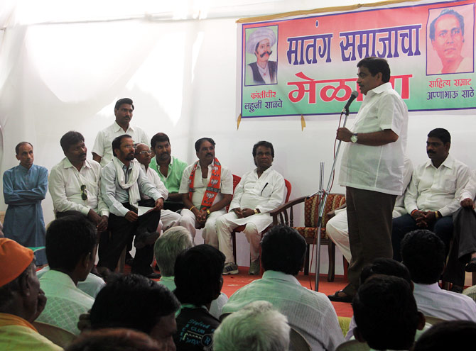 Nitin Gadkari advises the Matang community at a meeting organised in the compound of his home.