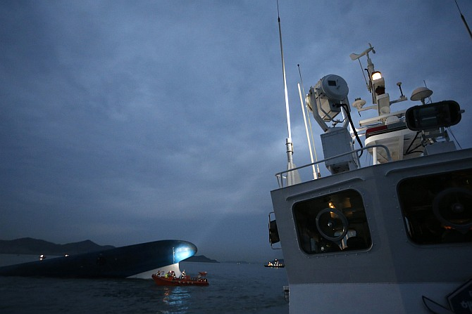 Hopes drown with South Korean ferry for hundreds