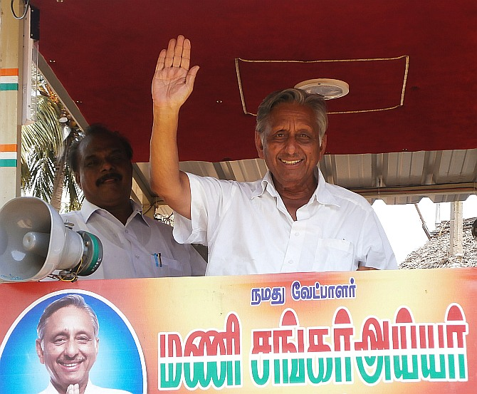 Congress leader Mani Shankar Aiyar at a campaign rally.