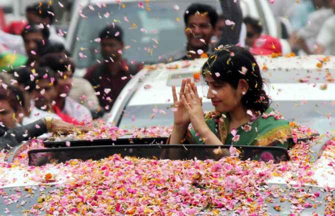 Dimple Yadav campaigns in Kannauj