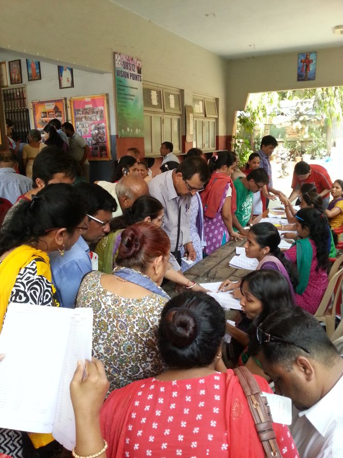 There was chaos at St Xavier's School in Mira Road where several voters could not find their names in the voters list.