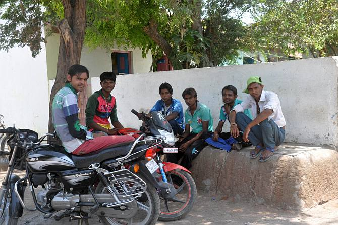 Koli youth from Karcheliya Para. From left: Chiman Makwana, Ramesh Yadav, Raju Koli, Pratap Rathod, Kumbhoj Yadav and Sujan Balli.