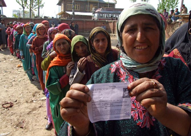 Kashmiri women line up to cast their vote in Srinagar