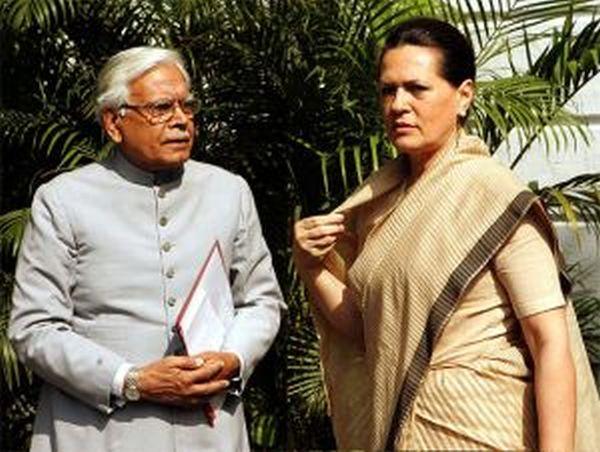 Sonia Gandhi with Natwar Singh.