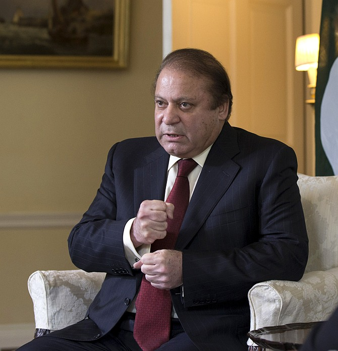 Sharif vows to prevent being toppled on Thursday