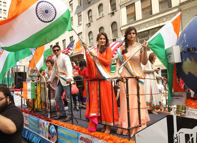 Celebrities from the silver screen too took part in the event, many of them waving the Indian flag and greeting the public