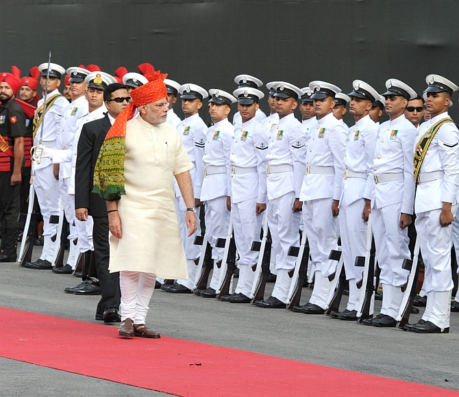 Prime Minister Narendra Modi inspects the Guard of Honour at the Red Fort, August 15, 2014. Photograph: Press Information Bureau