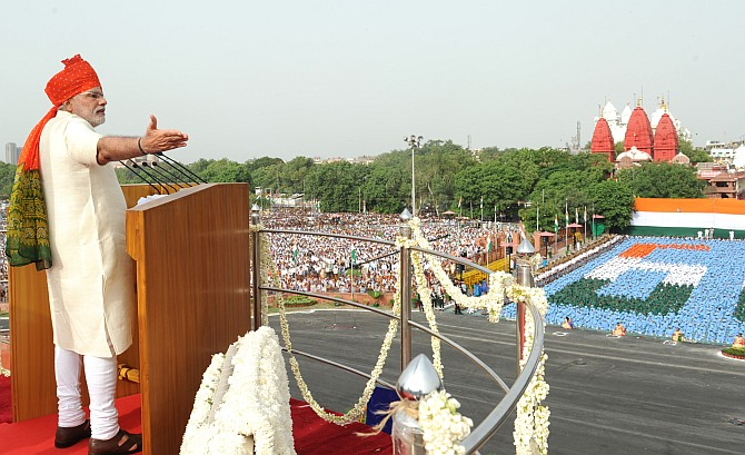 I-Day speech: 'Pradhan Sevak' Modi calls for billion hands to power India