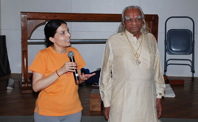 Eminiscing About Her Yoga Journey With Iyengar She Said Guruji