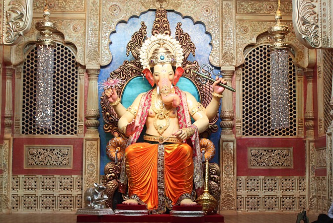 First Darshan: Lalbaugcha Raja returns to Mumbai