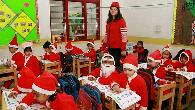 the grinch who stole christmas rediffcom india news - Do They Celebrate Christmas In India