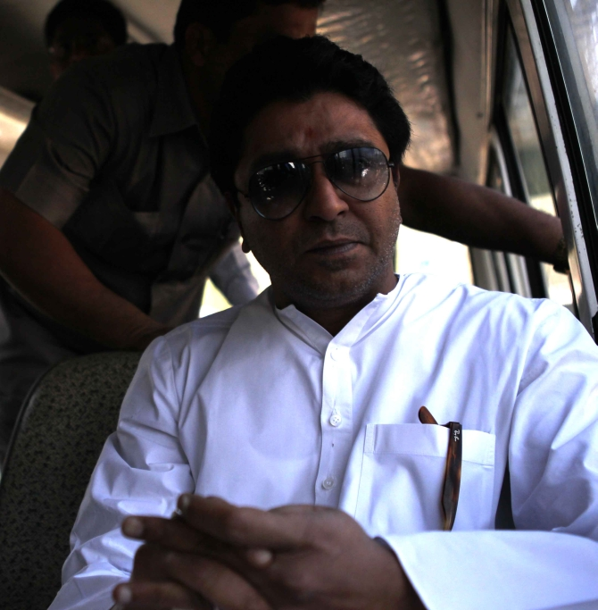 Raj Thackeray's 'rasta roko' brings Mumbai to a halt