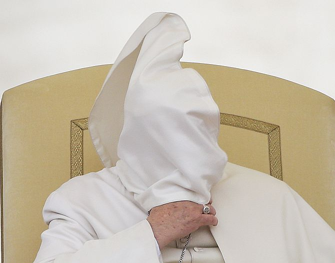 Even Pope is victim of wardrobe malfunction
