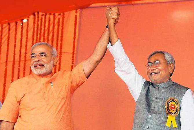 Narendra Modi and Nitish Kumar at the rally in Ludhiana in 2009.