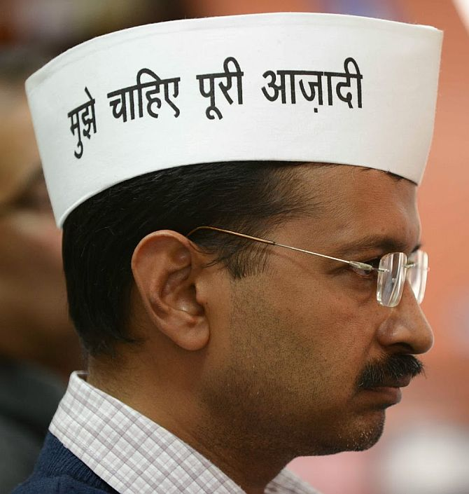Kejriwal threatens to jail the media, then denies it