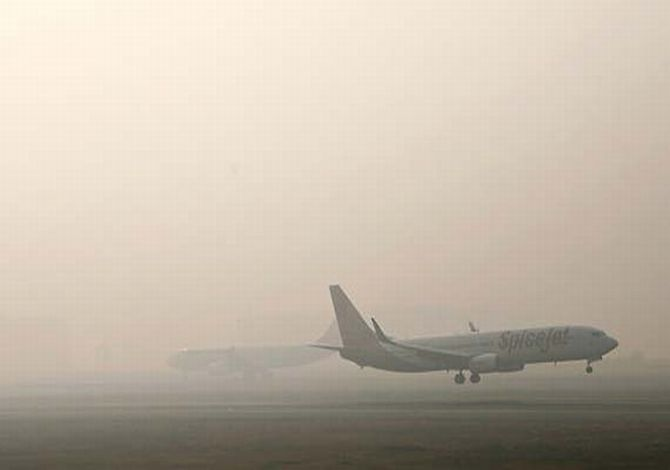 Fog disrupts air traffic in Delhi, 150 flights affected