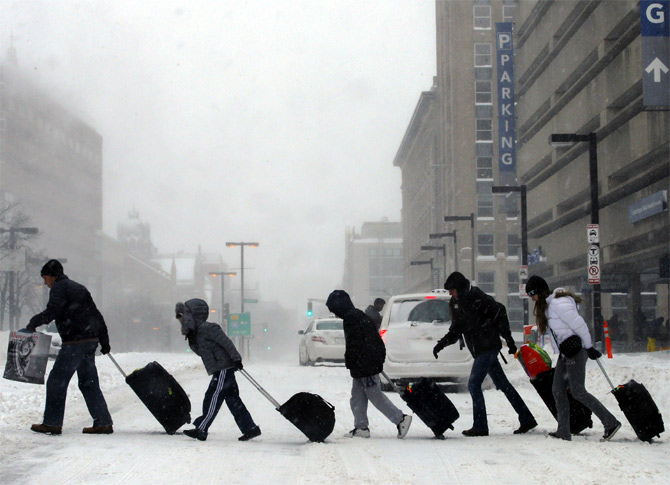 Americans 'chill' as freak winter sets in