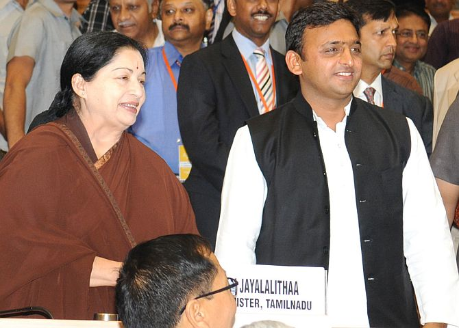 Jayalalithaa with UP Chief Minister Akhilesh Yadav