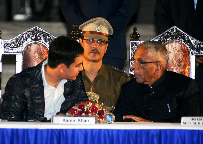 Aamir Khan with West Bengal governor M K Narayanan.
